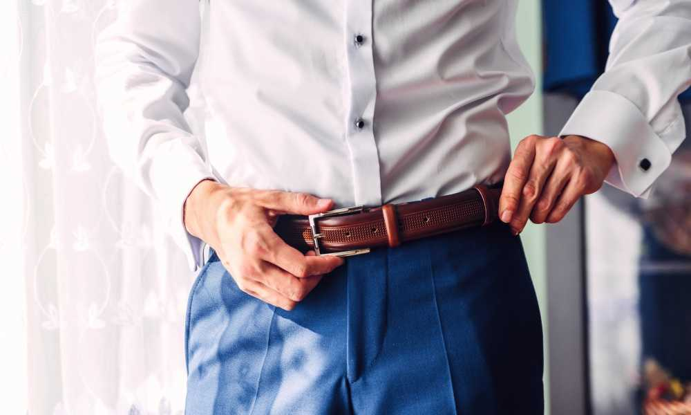 How to Put on a Belt Buckle Without Snaps 3